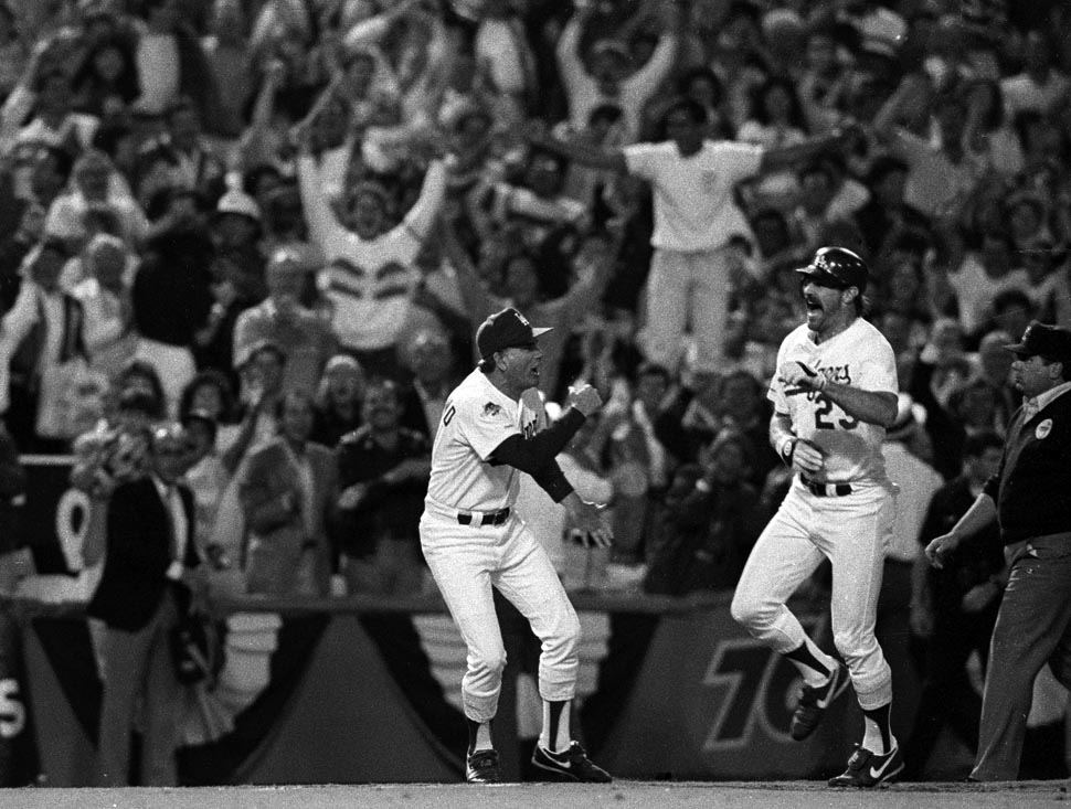 Greatest World Series moment ever.